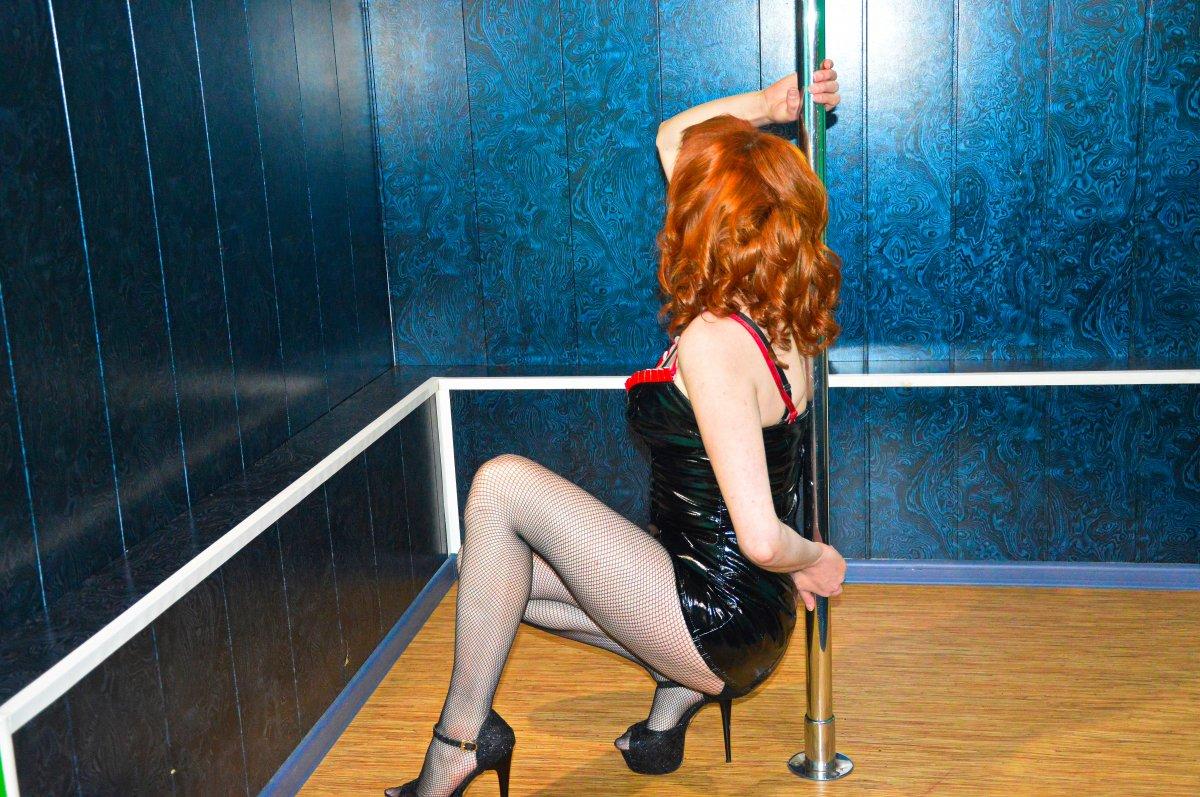 Проститутка     Ангелина, Красноярск Железнодорожный район  работает по вызову,  имеет свои аппартаменты,  за 2500 р час. - Фото 1
