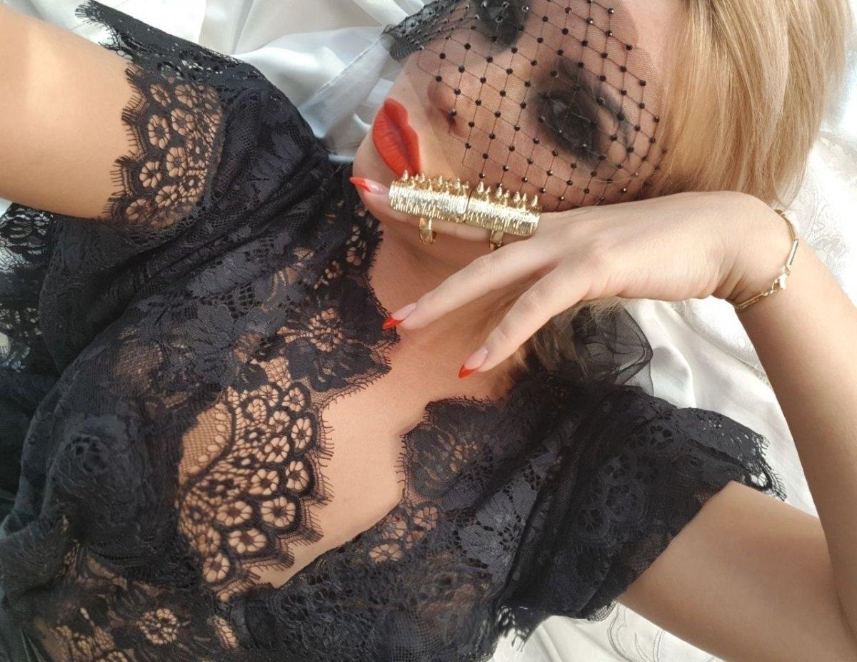 Проститутка     Dominique, Красноярск Взлетка  имеет свои аппартаменты,  за 10000 р час. - Фото 1