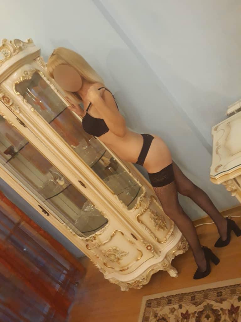 Проститутка     Оксана, Красноярск Советский район  работает по вызову,  имеет свои аппартаменты,  за 2500р час. - Фото 1
