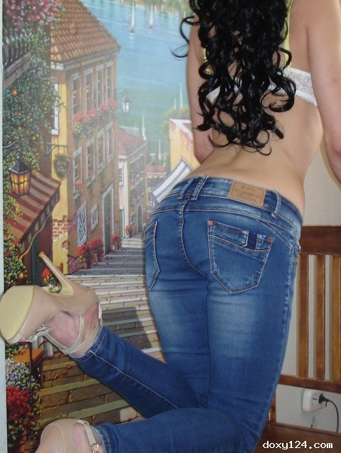 Проститутка     АННА, Красноярск Северный  работает по вызову,  имеет свои аппартаменты,  за 5500р час. - Фото 1