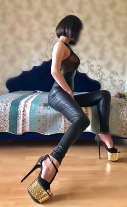 Проститутка     Студентка Вика, Красноярск Любой  работает по вызову,  имеет свои аппартаменты,  за 2500р час. - Фото 1